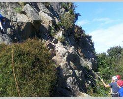 border-Rock-climbling
